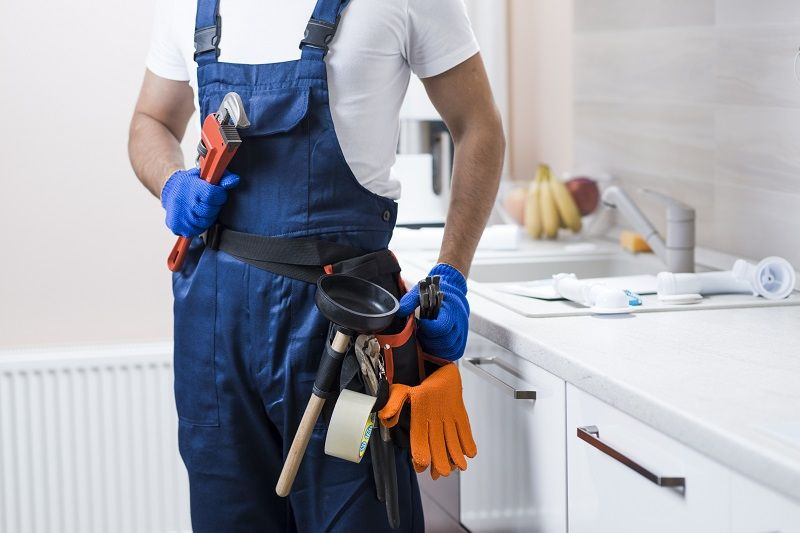 Advantages of Hiring an Emergency Plumbing Professional